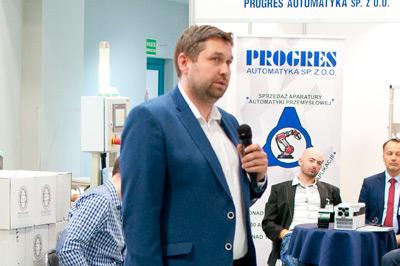 Marcin Ciepluch – PNEUMATIC COMPLEX